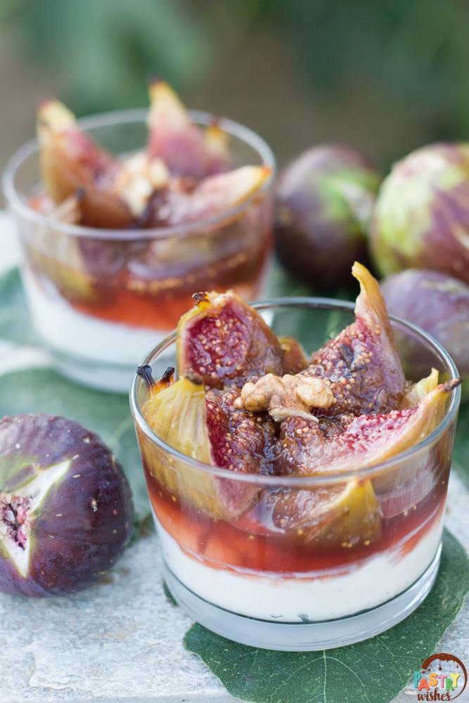 baked figs with greek yogurt